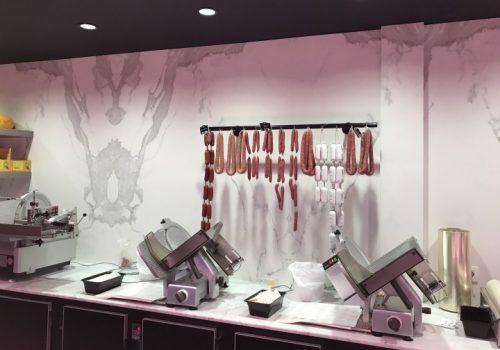 Wandbekleding in natuursteen slagerij